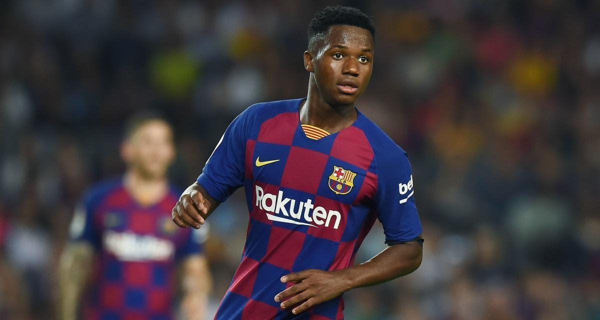 Ansu Fati sous les yeux de Lionel Messi