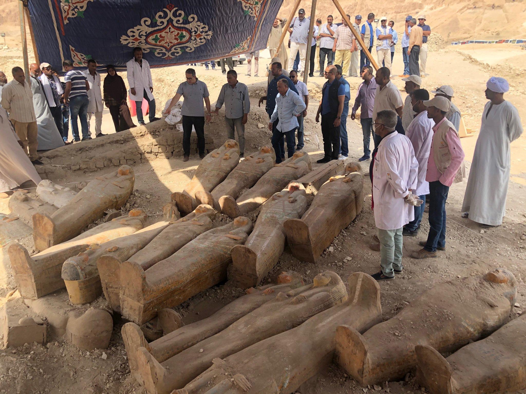 20 anciens cercueils ont été découverts près de Louxor par des archéologues égyptiens