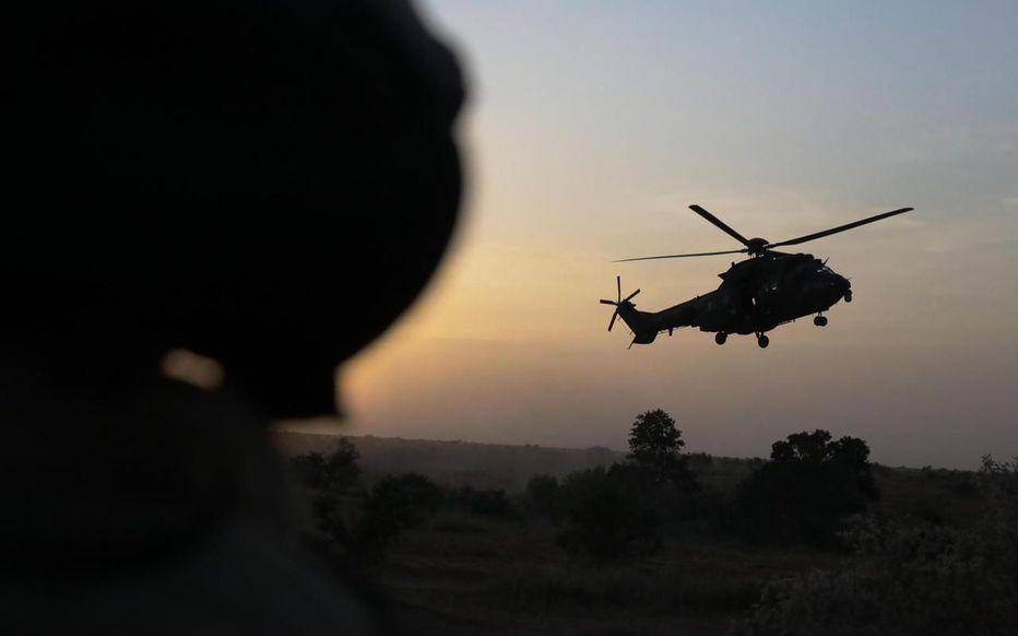 Au Mali, la mort des 13 soldats français n'est pas due au tir