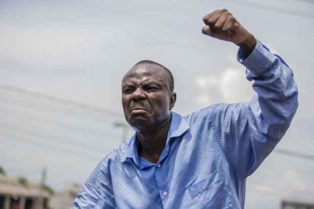 Ayiti-Aktyalite: Moïse Jean Charles VS André Michel < divizyon oswa Opozisyon an dekonpozisyon>