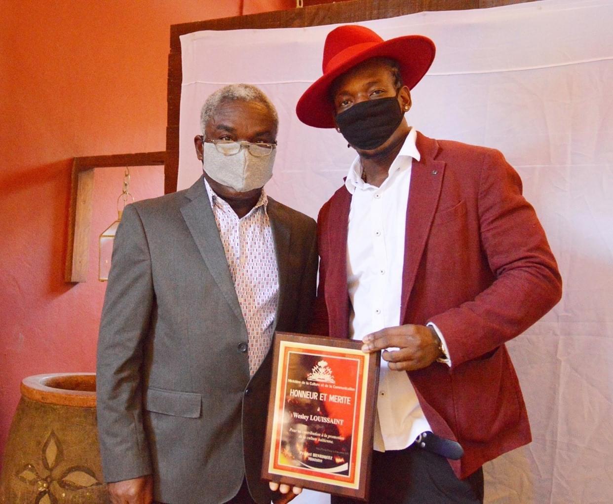 Haïti-Culture: Le ministre de la culture et de la communication rend hommage à l'artiste,Wesly LOUISSAINT