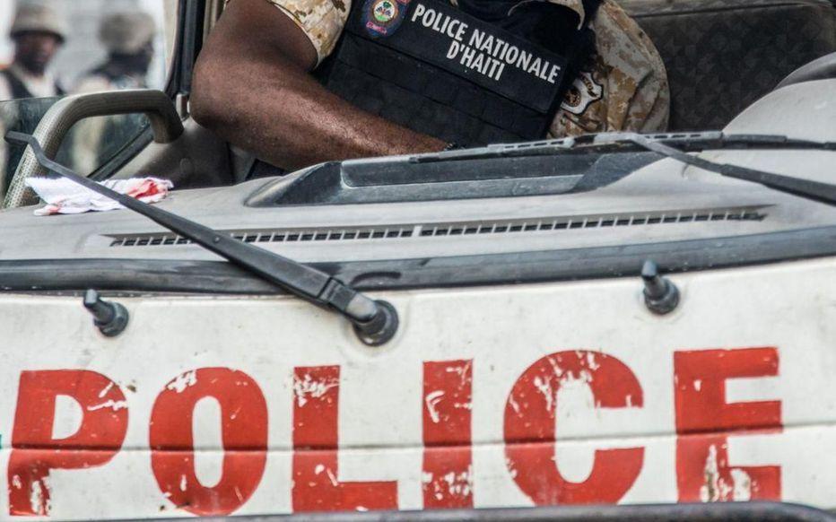 Ayiti-Aktyalite: Lapolis replike pou kalme vilaj de Dye