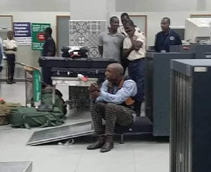 Ayiti-Aktyalite: Jacques Yves Sébastien Duroseau Jije Koupab paske li te antre ak  Zam ilegal an Ayiti