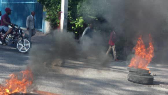 Ayiti-Aktyalite: Gwo van panik ap soufle nan zòn chada ak kwadèmisyon