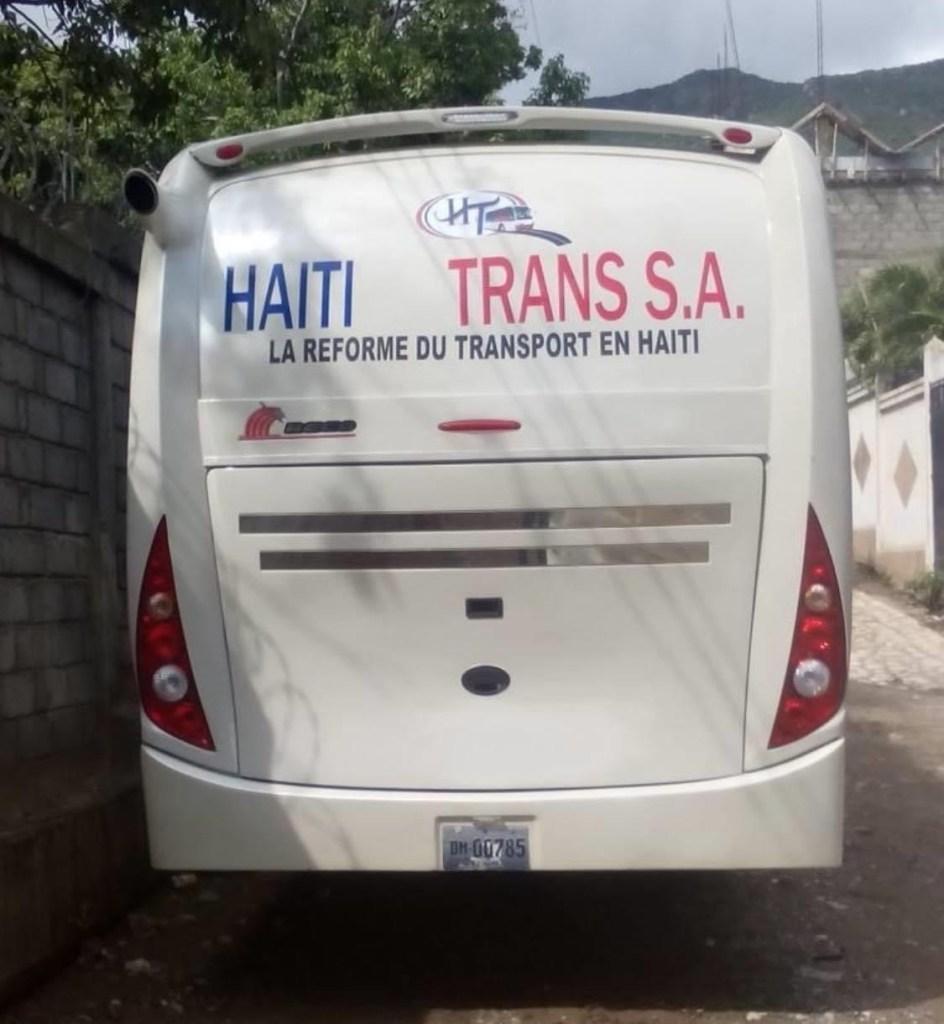 Ayiti-Ensekirite: Chofè ak Plizyè pasajè blese, bilan yon atak bandi ak zam sou yon bis