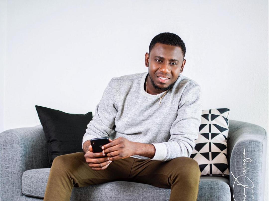 Ayiti-Medya: Guy Wewe, jwenn viza pou ( Radio Eclair )