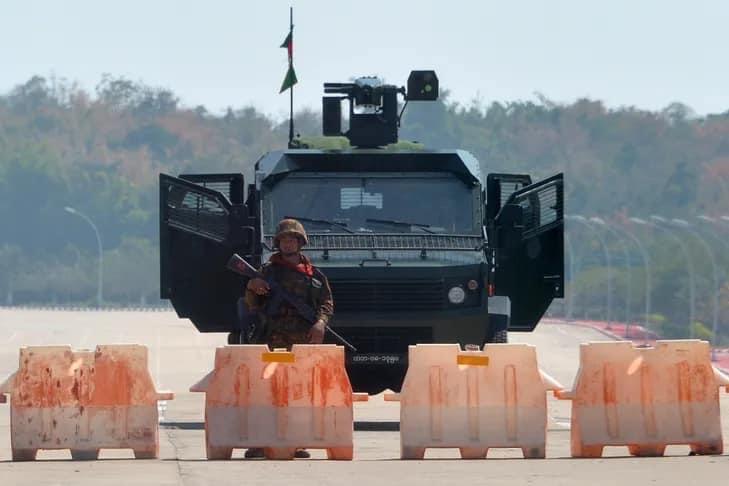 International: Birmanie   Washington accuse l'armée de « coup d'État » et va réduire son aide