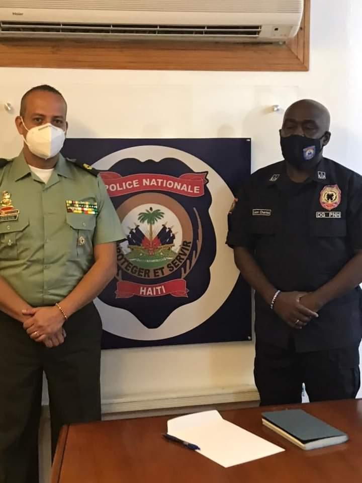 Ayiti-Aktyalite:Direktè PNH la Léon Charles, resevwa direktè polis kolonbyèn nan ki vin ede PNH la goumen kont kidnapin