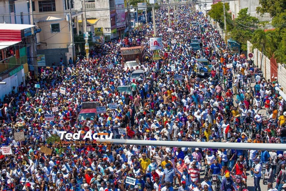 Ayiti-Aktyalite : Mwen envite tout boujwa parèy mwen yo, desann atè a pou vin manifeste kont ensekirite ak diktati nan peyi a dixit Réginald Boulos